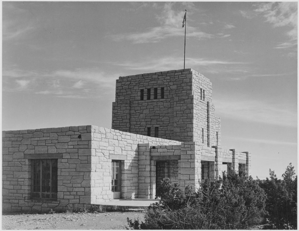 -Close_up_view_of_'Elevator_House,'_Carlsbad_Caverns_National_Park,-_New_Mexico.,_1933_-_1942_-_NARA_-_520032